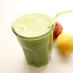 Fruits And Green Juice Juice Smoothie, Smoothies, Ways To Wake Up, Lassi, Juicing, Raw Food Recipes, Recipe Box, Health And Beauty, Favorite Recipes