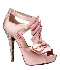 I soooo want these!!! (and I do have a birthday coming up soon...)