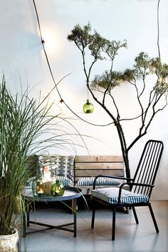 romantic string ball lights from house doctor Outdoor Areas, Outdoor Chairs, Indoor Outdoor, Outdoor Living, Outdoor Decor, Outdoor Store, House Doctor, Garden Furniture, Home Furniture