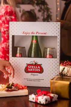 Gifts you can share with your loved ones are a great way to spend some time together, and embrace the real meaning of the holiday season. As more and more of us are becoming drawn toward experiences instead of material possessions, make time to have a Stella Artois with your friends and family - because the best moments just fit together naturally over a beer.