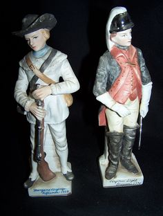 Offered is a pair of Revolutionary War Colonial Soldier Bisque figurines. They depict the soldier, uniform and weapons of a Morgans Virginia Rifleman 1778 & a Virginia Light Dragoons 1776. They are handpainted and have fabulous facial and uniform details.