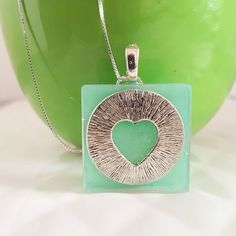 Silver heart necklace resin jewellery Resin Jewellery, Jewelry, Washer Necklace, Christmas Ornaments, Holiday Decor, Heart, Shop, Silver, Jewellery Making