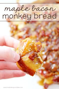 Oh my gosh - this Maple Bacon Monkey Bread is AMAZING! It makes a great addition to a weekend breakfast! Oh my gosh - this Maple Bacon Monkey Bread is AMAZING! It makes a great addition to a weekend breakfast! Bacon Recipes, Brunch Recipes, Breakfast Recipes, Dessert Recipes, Cooking Recipes, Bread Recipes, Breakfast Bites, Brunch Ideas, Dessert Ideas