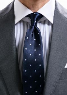 Mens Fashion Smart – The World of Mens Fashion Mens Fashion Suits, Mens Suits, Suit Shirts, Herren Outfit, Tie Styles, Tie And Pocket Square, Classic Elegance, Suit And Tie, Modern Gentleman