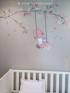 habitación bebé con vinilo en la pared de #stencilbarcelona