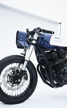 An ex-Disneyland stunt bike rider turned custom motorcycle builder transforms a Honda Bol d'Or into a wild cafe racer. Honda Cb750, Honda Motorcycles, Custom Motorcycles, Custom Bikes, Stunt Bike, Cafe Bike, Cafe Racer Bikes, Cafe Racers, Bobber
