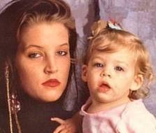 RILEY E SUA MAE LISA MARIE      LISA MARIE E SUA MAE PRISCILLA PRESLEY    FOTO RECENTE DE PRISCILLA E LISA MARIE    PRISCILLA PRESLEY E LI...