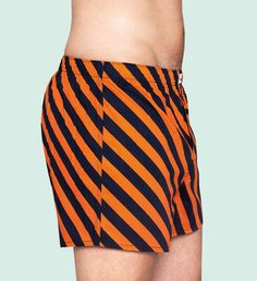 Orange and blue stripes line this pair of stylish men's boxers for the ultimate display of fashion. Slanting streaks of vivid colour create a design that not only looks good, but feels great. Made for all-day comfort, these boxers were crafted from the softest cotton and include a fly opening for a loose, free fit. Vivid, Free, Stylish. PATTERN: Polka, COMPOSITION: 100% Cotton. www.HappySocks.com