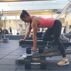 #militarymuscle #getshredded #macro #dedication #transformation #trainning #gymrats #intermittentfasting #sixpack #mensphysique #bodybuilding #getfit #health #fitnessaddict #gym #fitspo #l4l #follow4follow #followmeplease #f4f #alpha #swole #gymspo #gymrat #gymmotivation #like4like #npc #ifbb #fitfam #instahealth #fitnessaddict by girlsthatlift___