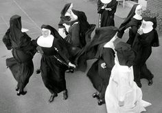 vintage everyday: Nuns Nuns Nuns! Here are 25 Vintage Pictures of Nuns Having Fun from the 1950s and 1960s