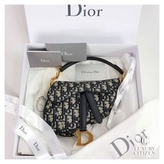 Fashion Handbags Women Love Them | Just Shoes and Bags #dior #bag #oblique #diorbagoblique Luxury Purses, Luxury Bags, Luxury Handbags, Fashion Handbags, Fashion Bags, Dior Handbags, Cute Handbags, Purses And Handbags, Dior Purses