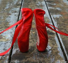 Refined ballet slippers on a weathered picnic table. Pointe Shoes, Ballet Shoes, Dance Shoes, Ballerina Shoes, The Scarlet Letter, Le Clown, I See Red, Shall We Dance, Ballet Class