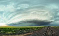 MAXIMILIAN CONRAD / CATERS NEWS - A high precipitation supercell just north of Stratford, Texas.