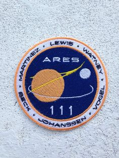 embroidered patch of the ARES III mission design from The Martian diameter, iron on backing The Martian Film, Miss Martian, Alien Aesthetic, Film Aesthetic, Hunk Garrett, Travel Patches, Space Pirate, Rise Of The Guardians, Reaching For The Stars