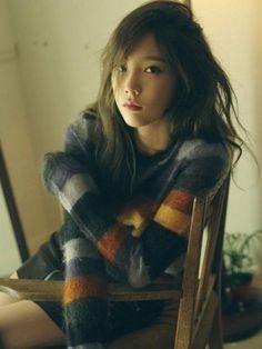 Taeyeon SNSD Akui Ingin Berkolaborasi dengan Minzy Eks 2NE1 - http://wp.me/p70qx9-8fT