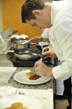 Os detalhes, os detalhes. O olhar minucioso é essencial para um chef.
