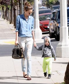 How adorable is Flynn Bloom? Click for more pictures of his LA outing with mom Miranda Kerr!