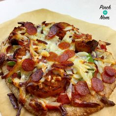 Low Syn Dominos Fakeaway Pepperoni Passion Pizza | Slimming World - http://pinchofnom.com/recipes/low-syn-dominos-fakeaway-pepperoni-passion-pizza-slimming-world/