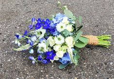 #Vintage #wiesenhaft und #rustikal - Toller #Brautstrauß in #blau im #Vintagestyle - #weddingdecor #rusticwedding #bride #bouquet #wedding #ideas #bridebouquet #rustic