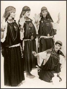 yarn belt tunisian dance - Google Search