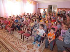 """Copiii de la grădiniţa-creşă """"Tereza Sobolevschi Corj"""" din Ungheni au acum mai multe distracţii. #StarNet a dăruit copiilor jocuri interactive şi educative, acuarele şi caiete de desen, precum şi un televizor magic, conectat la serviciile StarNet. StarNet a sărbătorit astfel hramul localităţii şi a adus bucurii copiilor. Detalii pe http://starnet.md/ro/noutati/jocuri-interactive-pentru-copiii-din-ungheni/"""