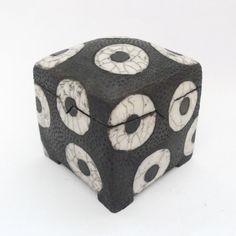 Schwarz-Weiße Keramik Dose