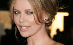 Charlize gives us a beautiful smile for Good Night Photo F…   Flickr