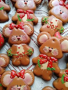 Christmas cookies,gingerbread,christmas mouse, boy and girl - royal icing Cookies Cupcake, Cookie Frosting, Fancy Cookies, Iced Cookies, Cute Cookies, Cookies Et Biscuits, Holiday Cookies, Sugar Cookies, Cupcakes