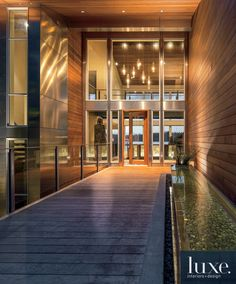 Entryway: A Lakeside Residence Channels Contemporary Northwest Style
