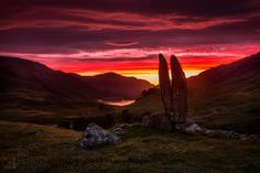 https://flic.kr/p/z5uGEK | Praying in the Valley of the Sun God | Fionn's Rock (aka Praying Hands of Mary) in Glen Lyon at sunrise