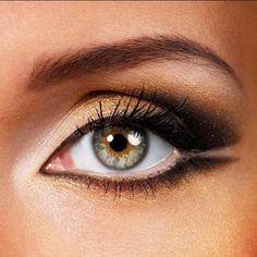 I love this look in Going Out Looks and the real-time beauty trends happening now at Bloom.com