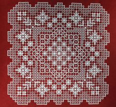 filet lacis Hardanger Embroidery, Embroidery Stitches, Tenerife, Drawn Thread, Mesh Netting, Needle Lace, Darning, Filet Crochet, Lace Design