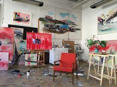 ArtBanana: Nahlížení do azeliérů Online Galerie, Bar Cart, Contemporary, Furniture, Home Decor, Atelier, Decoration Home, Room Decor, Home Furnishings