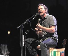 Review: Eddie Vedder leaves his mark on Ohana in Dana Point - The Orange County Register