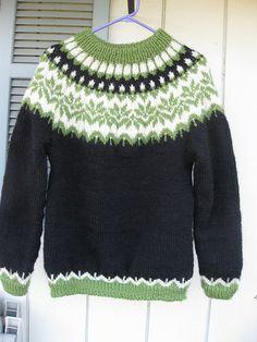 Afmæli free pattern on istex. Fair Isle Knitting Patterns, Knitting Charts, Knitting Designs, Knit Patterns, Free Knitting, Knitting Projects, Baby Knitting, Knitting Yarn, Girls Sweaters