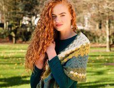 Nightfall - Free crochet pattern for triangle shawl - Annie Design Crochet One Skein Crochet, Crochet Shawl Free, Basic Crochet Stitches, Crochet Scarves, Crochet Baby, Crochet Wraps, Beginner Crochet, Crochet Basics, Shawl Patterns