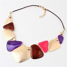 Hot Vintage Wind Gold Resin Geometry Shield Pendant Collar Chunky Necklace 3 COLOR