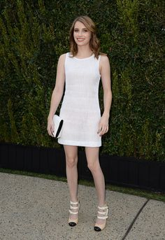 Emma Roberts Mini Dress - Emma Roberts chose a white sleeveless dress for a super classic and summery look.