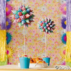 Little drink umbrellas don't just have to be used for drinks, you know. They make wonderful decorations, too! These Parasol Topiaries make an excellent . Luau Centerpieces, Luau Party Decorations, Reunion Decorations, Centrepieces, Table Decorations, Aloha Party, Hawaiian Luau Party, Beach Party, Hawaiian Theme