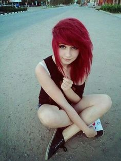 I want her hair!!! And she's really pretty, so I want her face too. xD