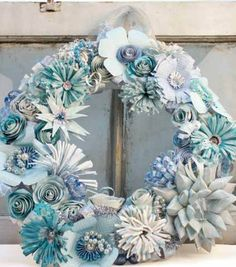 Love this winter wonderland holiday wreath! #fabulouslyfestive