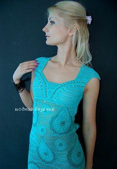 """Очередная вдохновлялочка! Нашла на просторах инета :""""Очень оригинальное платье модного мятного цвета связанное крючком смешанной техникой."""