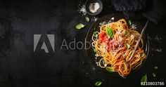 Tasty appetizing classic italian spaghetti pasta with tomato sauce, cheese parmesan and basil on plate on dark table. View from above, horizontal One Pot Spaghetti, Spaghetti Noodles, Naples Restaurants, Braised Lamb, Delicious Restaurant, Pasta, Japanese Dishes, Tasting Menu, Surf And Turf
