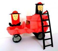 Feuerwehrauto aus Eierkarton