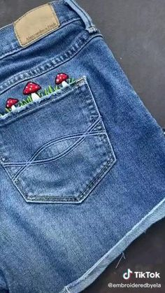 Embroidery On Clothes, Embroidered Clothes, Diy Embroidery, Embroidered Shorts, Denim Jacket Embroidery, Diy Clothes Videos, Clothes Crafts, Sewing Clothes, Broderie Simple