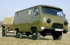 UAZ 452, oer degelijk van Russische afkomst. Zeer geschikt om te transformeren tot camper. Vw Vanagon, Soviet Army, Dodge Power Wagon, Off Road Camper, Army Vehicles, Vintage Trucks, Cars And Motorcycles, Jeep, Transformers