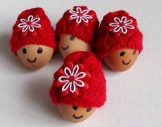Red Knit Egg Cozy set of 4 Easter Decoration eggs decor door Sizana Cozies, Eggs, Easter, Decorations, Make It Yourself, Christmas Ornaments, Knitting, Holiday Decor, Crochet