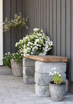 Diy Patio, Backyard Patio, Backyard Landscaping, Landscaping Ideas, Patio Ideas, Patio Bench, Diy Bench, Backyard Ideas, Porch Ideas