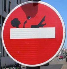 Panneau sens interdit dtourn  panneau sensinterdit detourne route signalisation humour voiture panel trafficsign road car chainesbox