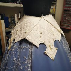 """Eelkje Postmus on Instagram: """"I am so in love with my pointy thingies🙏❤️ i wanted to bring back the crown design in the dress and i think it worked out rewlly well😁 also…"""" Bring Back, Bring It On, Aurora Design, Princess Aurora, The Crown, Things To Think About, Workout, Lace, Instagram"""